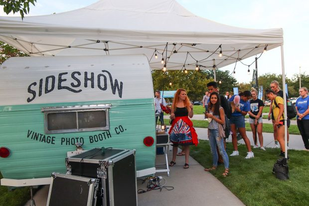 Sideshow photo booth
