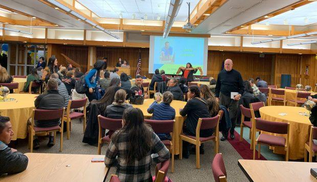 Amigos Mentores conference in Oak Room