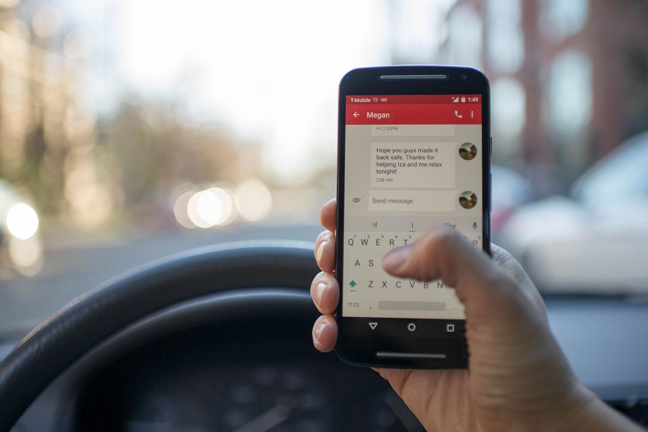 stk-texting-driving-romanp-01
