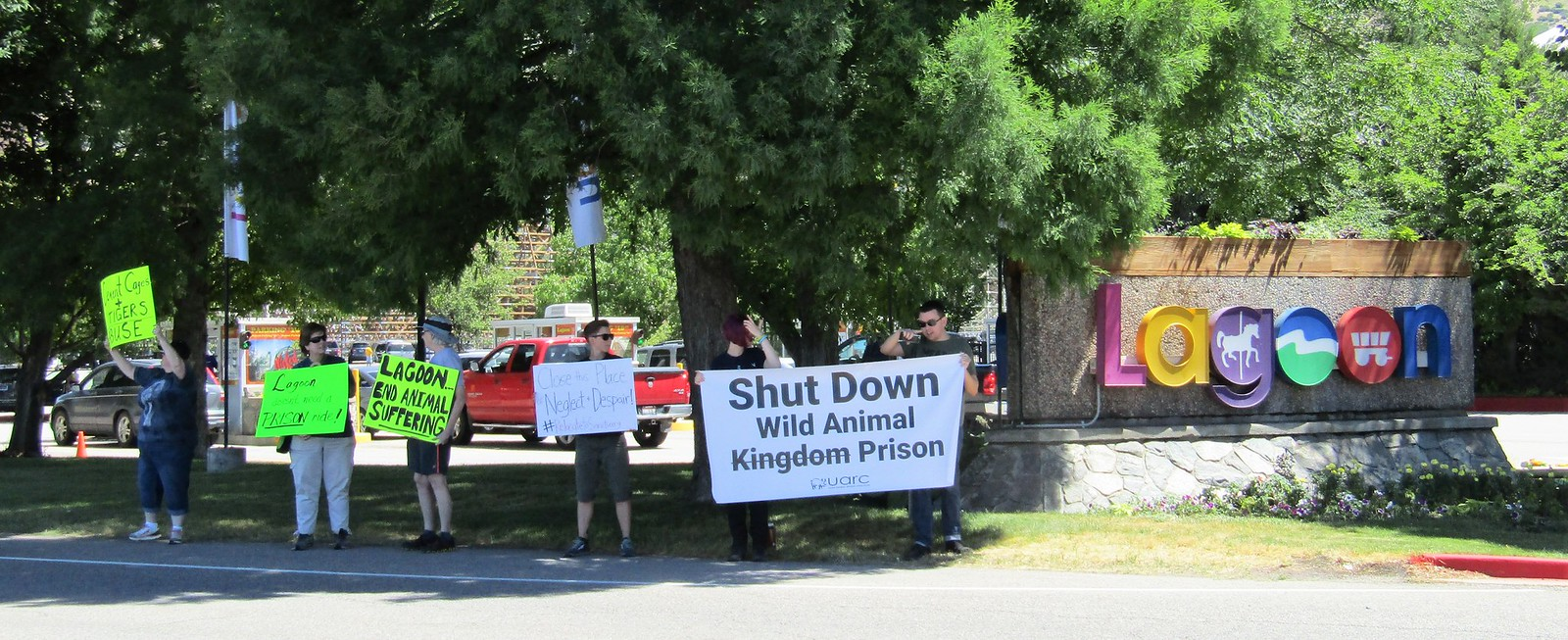Wild Kingdom Train zoo protest outside Lagoon