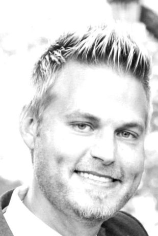 Black and white headshot of Scott Smith