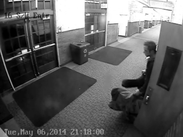 Theft suspect on camera, pic 1 of 3