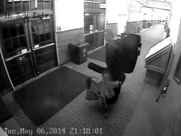 Theft suspect on camera, pic 2 of 3