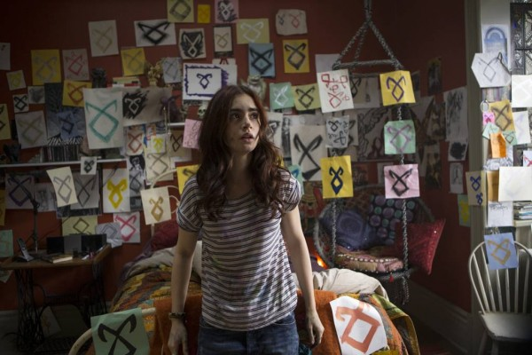 Still from The Mortal Instruments: City of Bones featuring Liliy Collins.