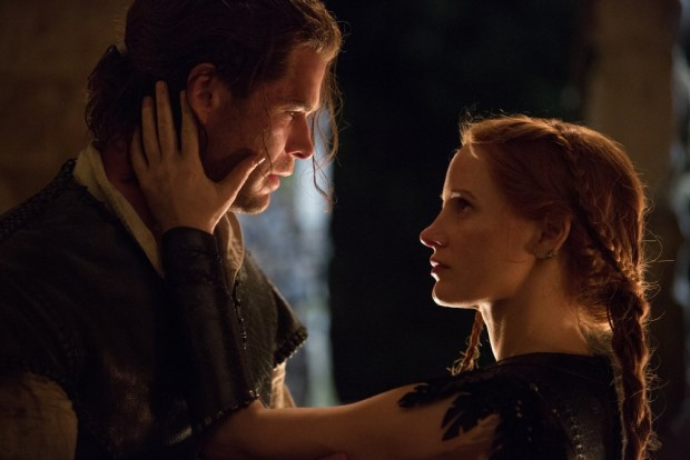"Chris Hemsworth and Jessica Chastain in ""Winter's War"""