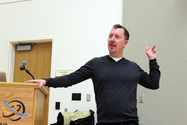 Glenn Kiser presenting to SLCC students and faculty