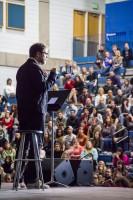 Rainn Wilson talks to the audience