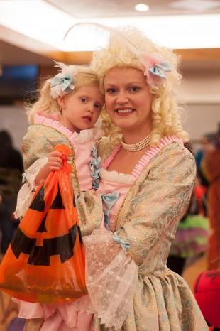 LeeAnn Richardson holds daughter Charlotte