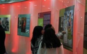 "SLCC student Tanya Perez and friends view ""Dos Fridas""."