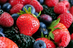 Strawberries, blueberries and blackberries