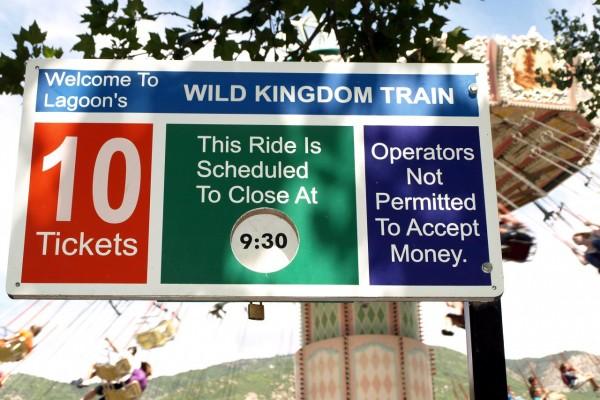 Wild Kingdom Train sign