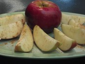 Apples cut with cinnimon