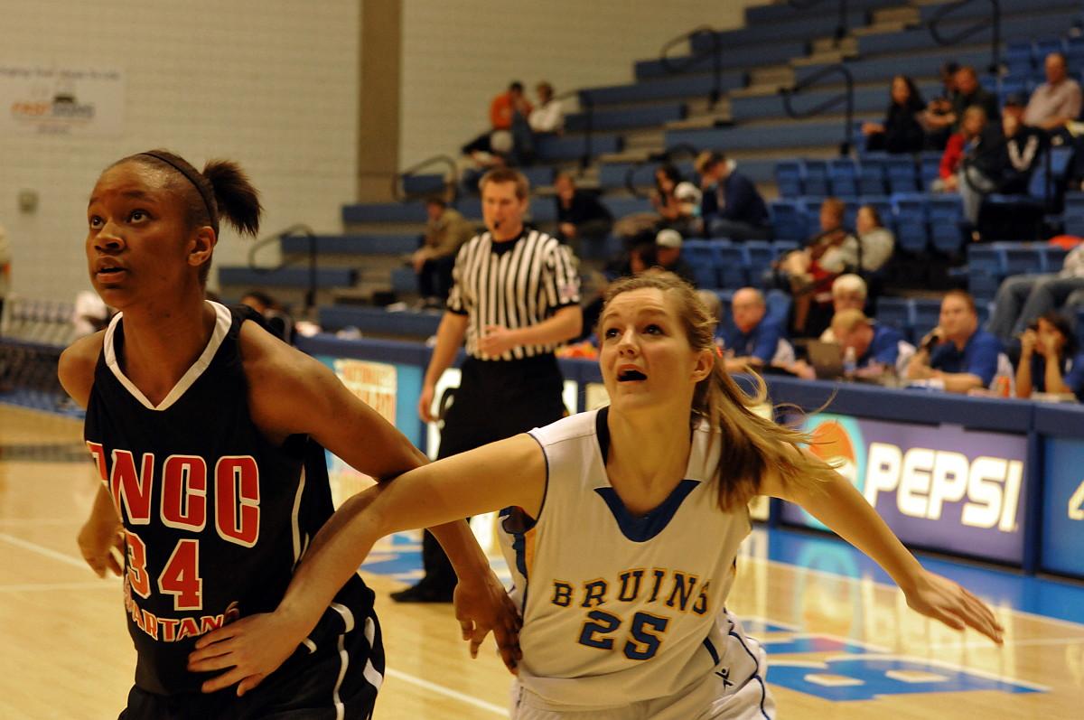 High hopes are 'Bruin' for SLCC Women's Basketball in 2012-13 | globeslcc.com