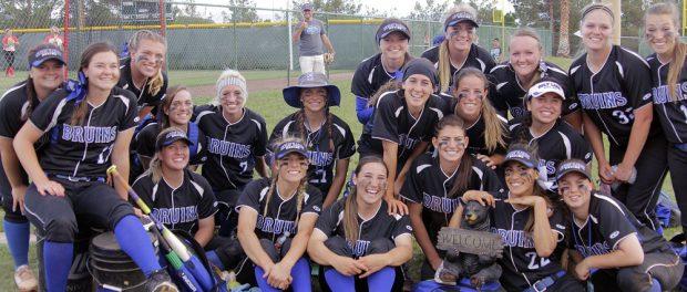 SLCC softball team photo