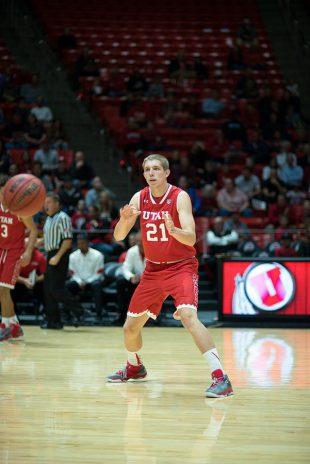 Tyler Rawson passes the ball