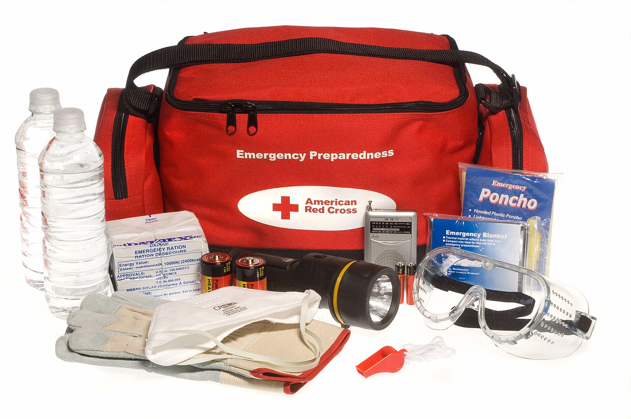 "Red Cross ""ready to go"" kit"