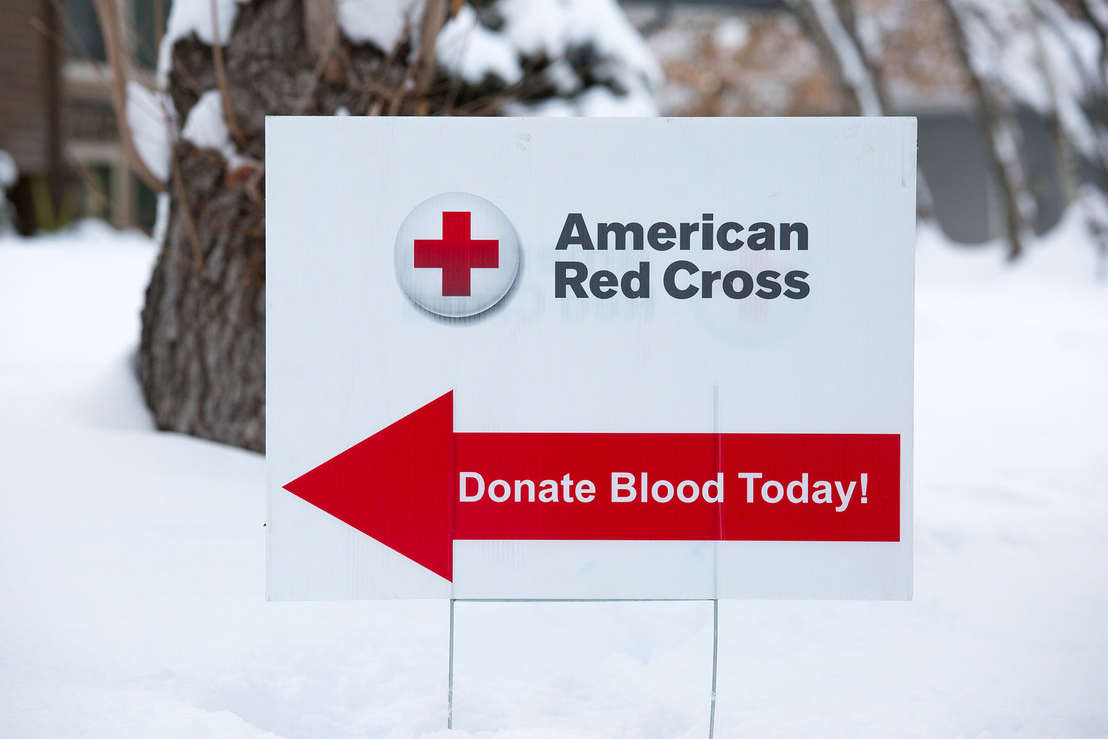 American Red Cross donate blood today sign