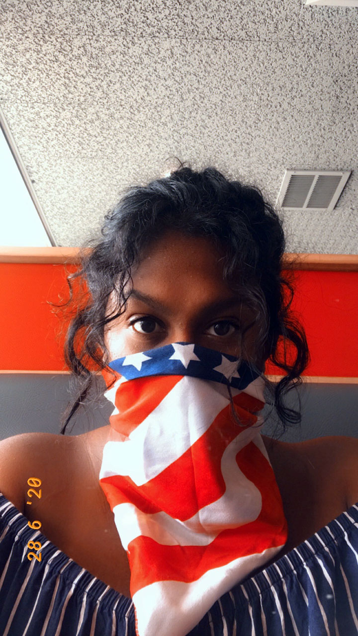 Deevina Kissoon shares a mask selfie