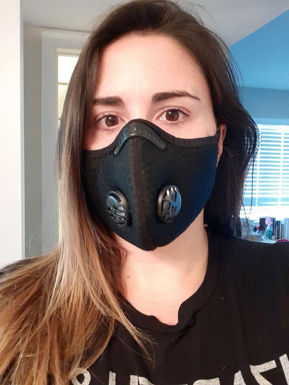 Elizabeth Wetherell shares a mask selfie