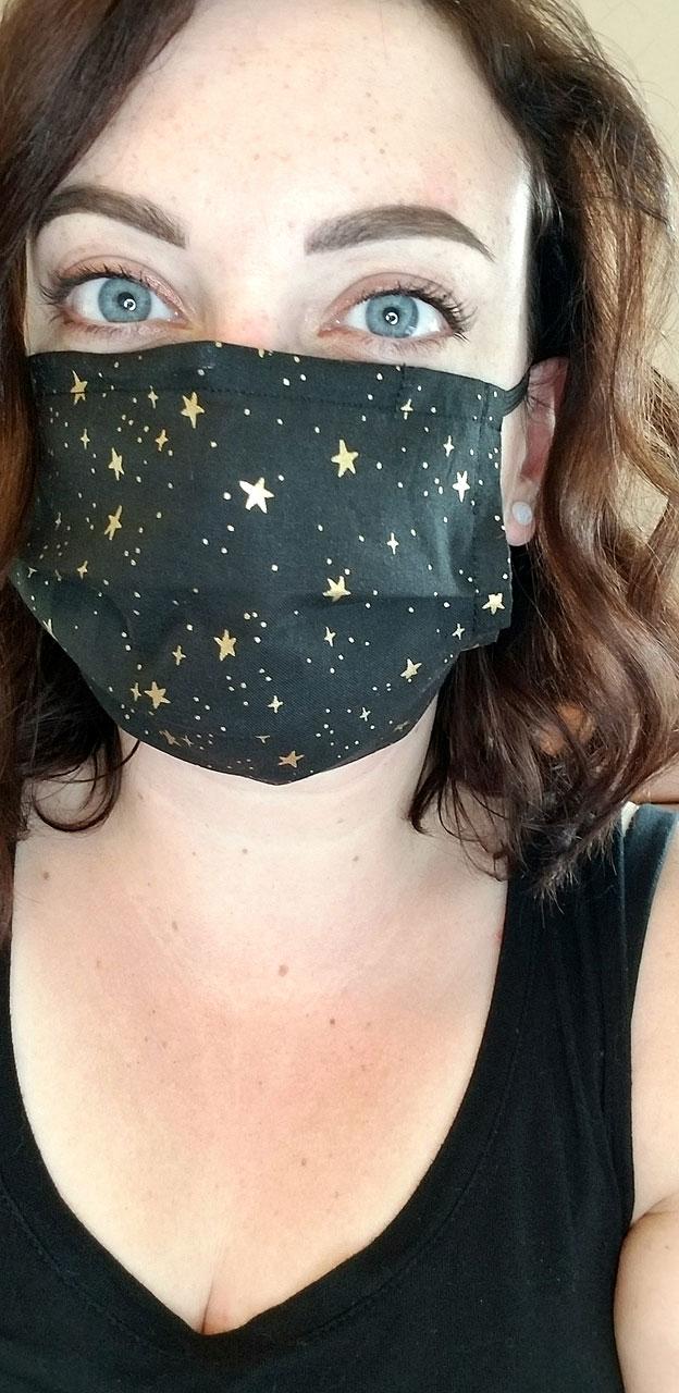 Katie Dooner shares a mask selfie