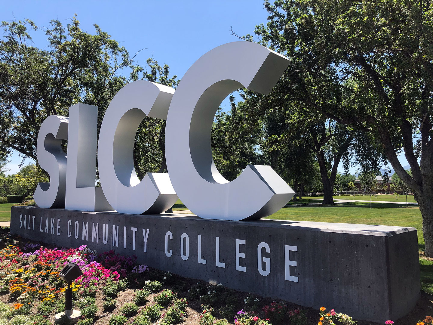 SLCC block letter sign at Redwood Campus