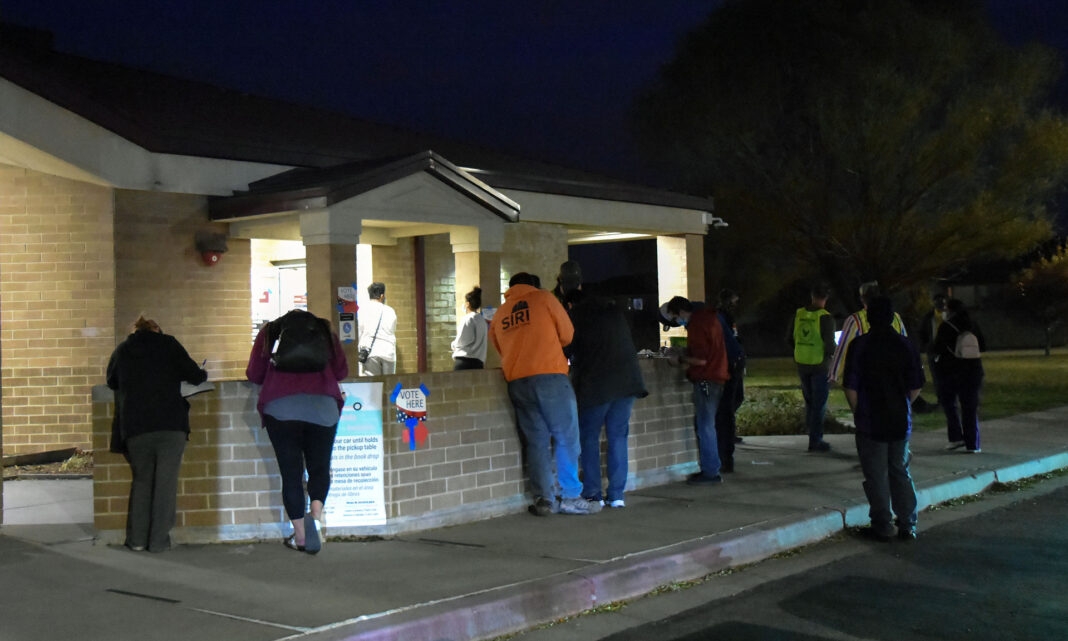 Voter line outside library