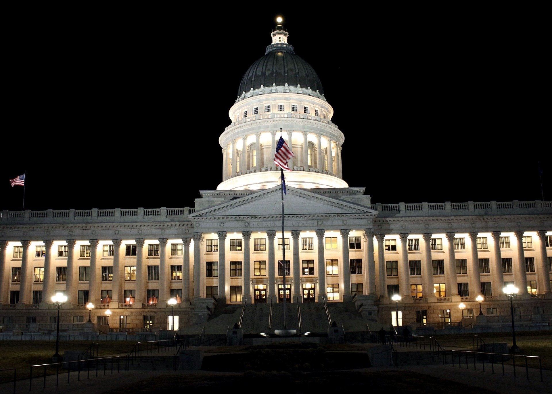 Utah State Capitol at night