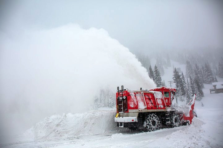 Plow clears out Alta Ski Area