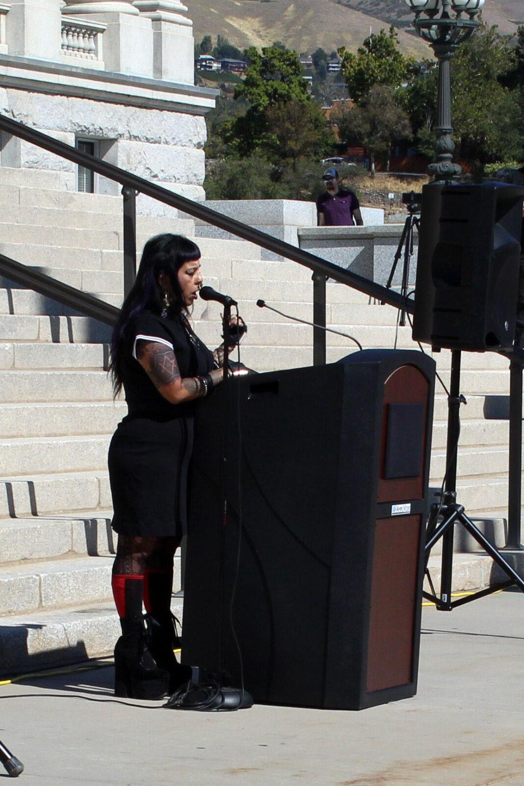 Noelia Citialin at podium