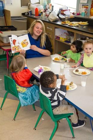 Lindsay Chapman reads to preschool children