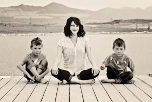Stephanie Roth with sons Gavin and Emerson