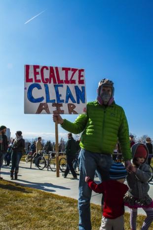 Legalize Clean Air sign