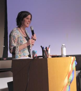 Jenie Skoy speaks to contestants