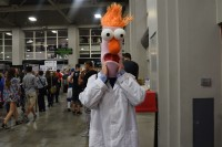 A cosplayer dressed as Beaker from The Muppet Show